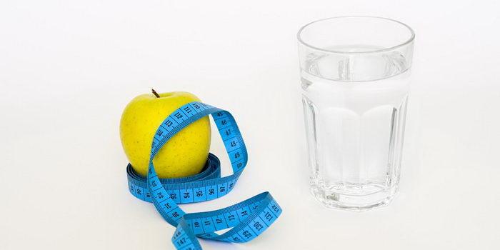 Все, что нужно для яблочной диете на воде